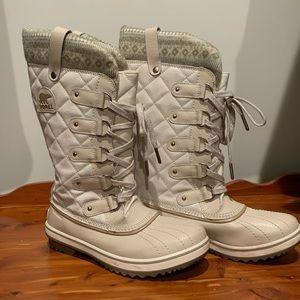 Tofino Holiday White Snowboots
